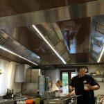 soffitto aspirante cucina ristorante 2 - Ca' Cerfogli